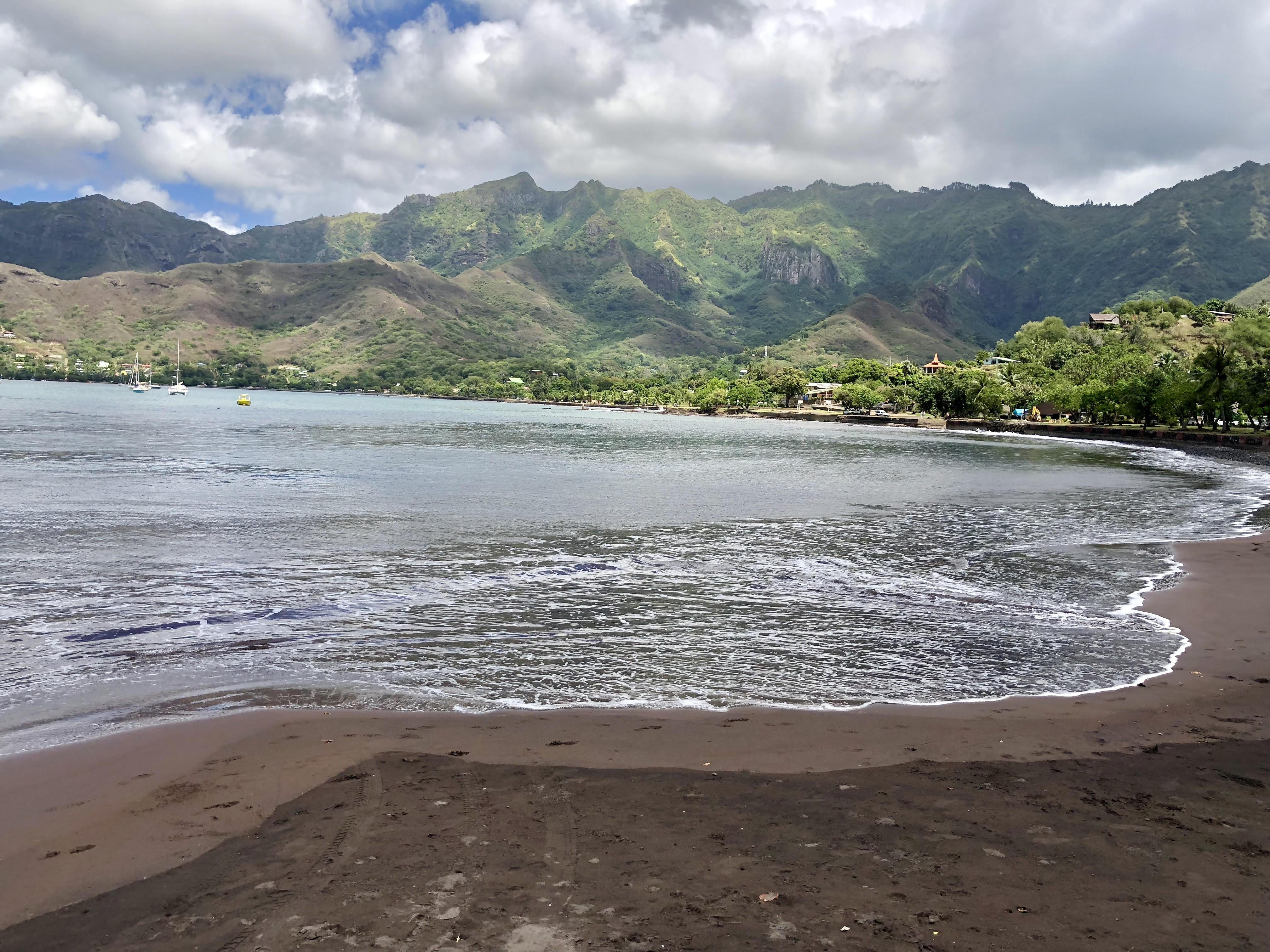 Nuku Hiva Beach